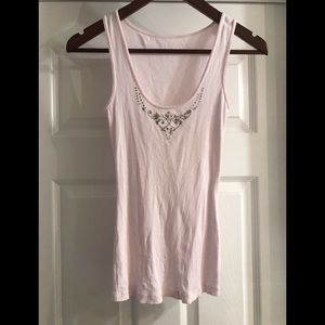 Cute ribbed tank with crown neckline detail